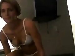 She takes make an issue of phone to her boyfriend while another man fucks