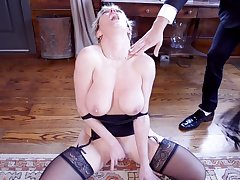 Blondes Dee Williams and Aspen Ora primate each other and a cock