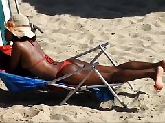 RED BIKINI IN Muffler VIAGEM BEACH, RECIFE CITY.