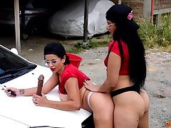 Washing the car with an increment of sharing the dildo, a spectacular tryout